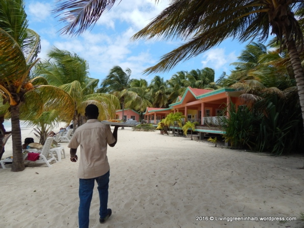 Abaka Bay server and hotel rooms